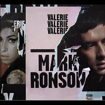Mark Ronson featuring Amy Winehouse - Valerie