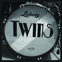 TWINS - Tomboys on Parade