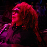 Roberta Flack - Bridge Over Troubled Water (Live Version)