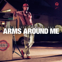 Hard Rock Sofa - Arms Around Me