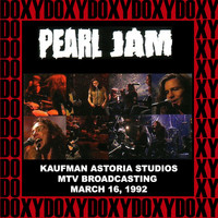 Pearl Jam - Kaufman Astoria Studios, New York, March 16th, 1992