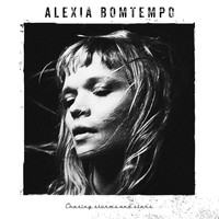 Alexia Bomtempo - Chasing Storms and Stars
